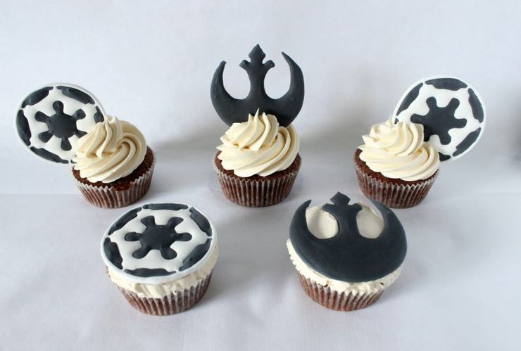 galactic empire and rebel alliance cupcakes