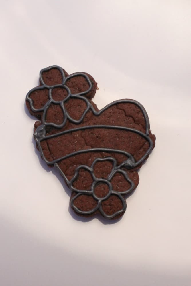 outlining cookie design