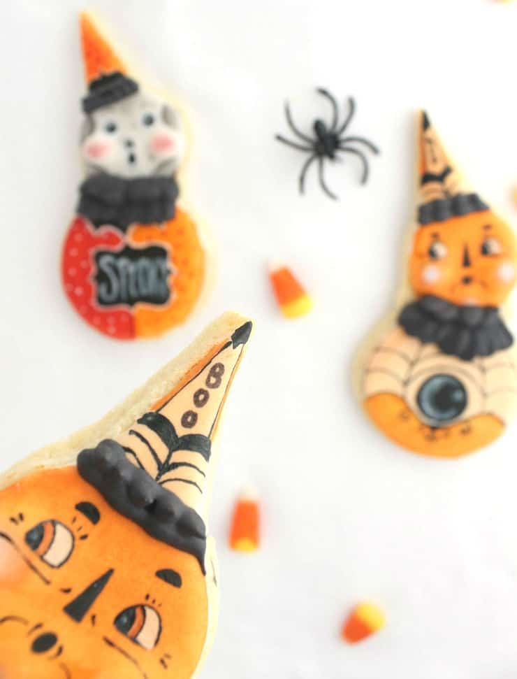 Learn how to create dimension in your royal icing cookies in this fun Halloween tutorial! | The Simple, Sweet Life