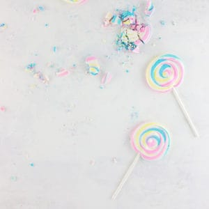 Meringue Lollipops