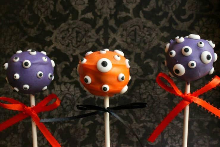 Halloween monster cake pops