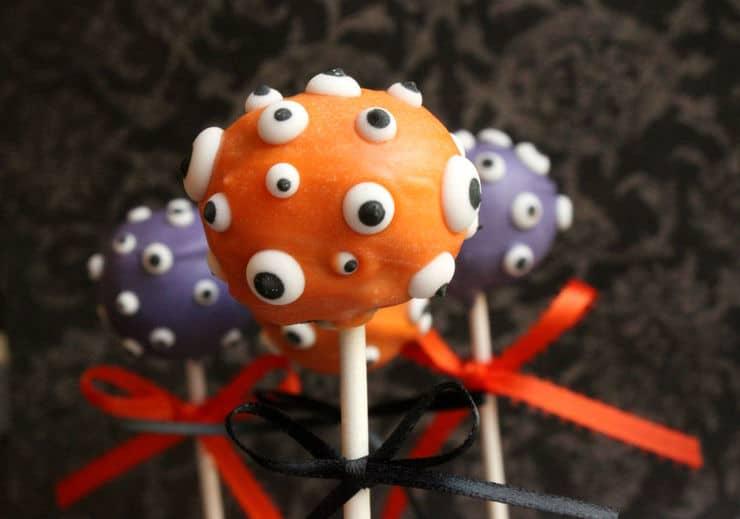 Eye cake pop