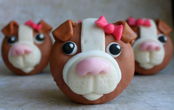 fondant bulldog cupcake