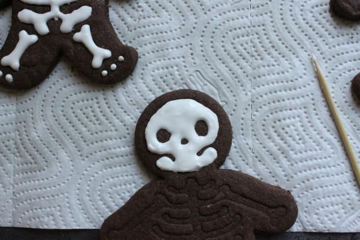making a skeleton cookie