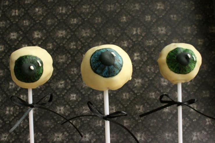 Halloween eye cake pops