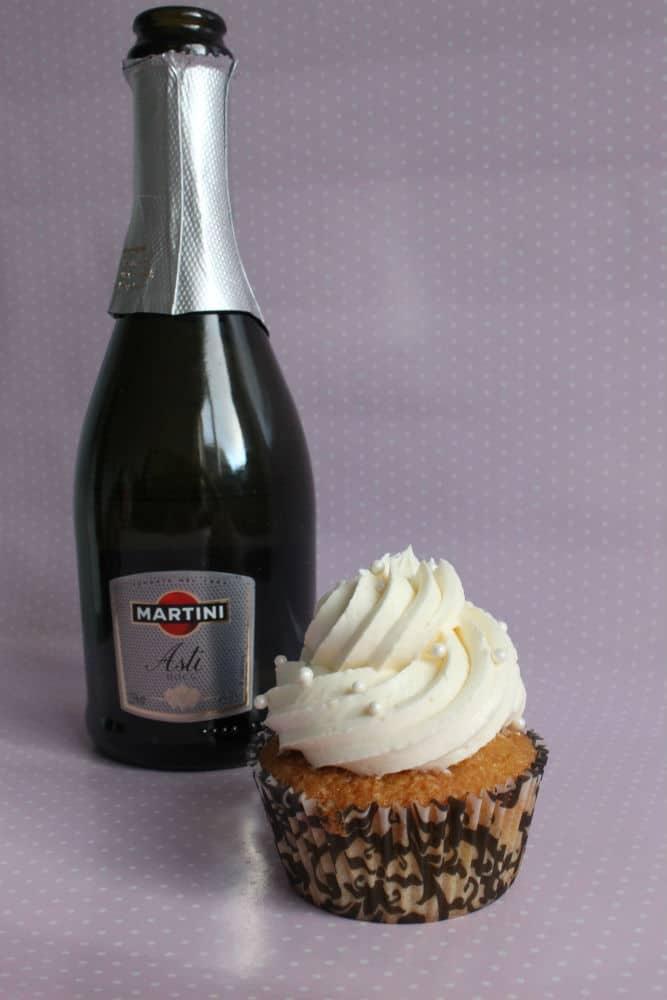 Martin champagne cupcake