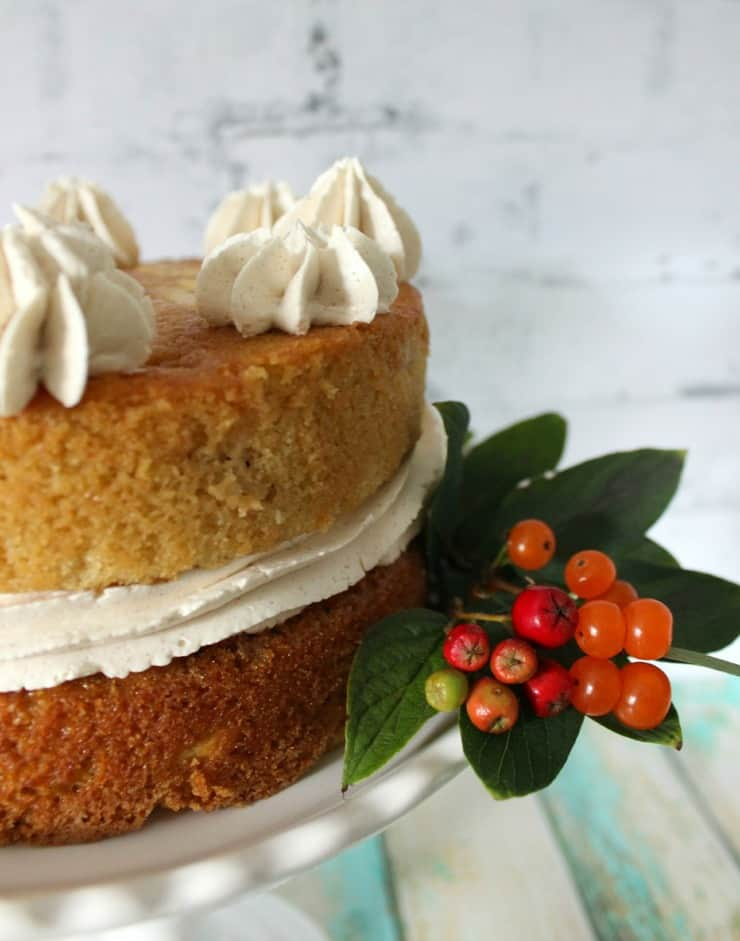 Apple cake and berries