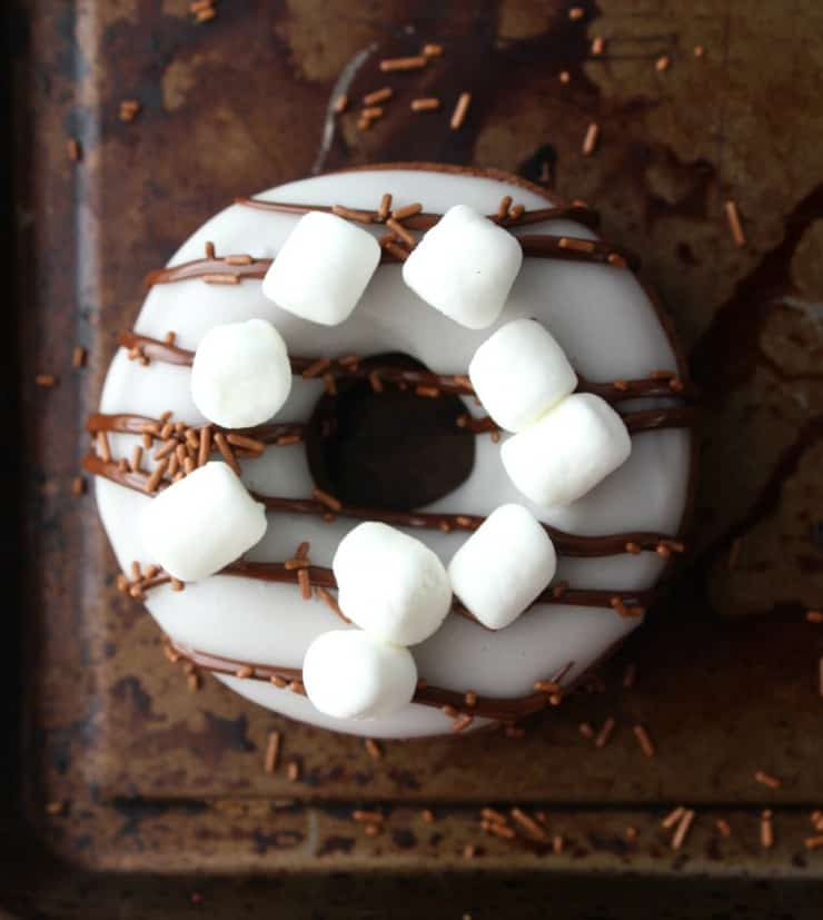 An easy recipe for baked hot chocolate doughnuts