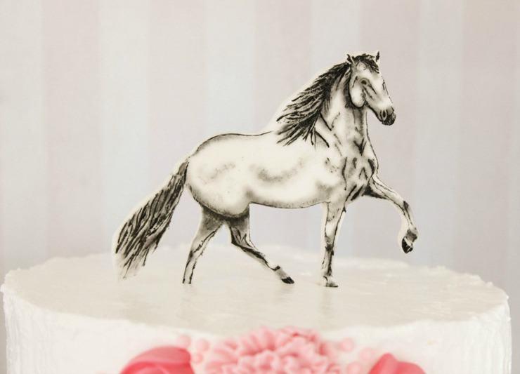 Gum paste horse