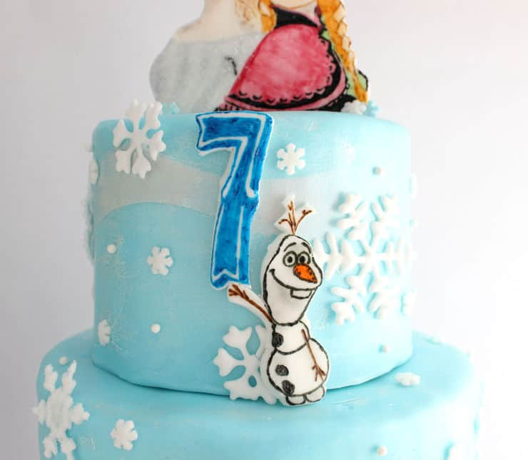 Frozen birthday cake with Olaf