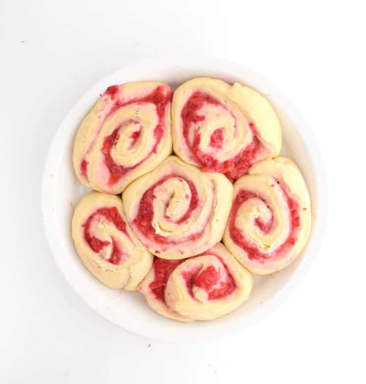 strawberry sweet roll dough