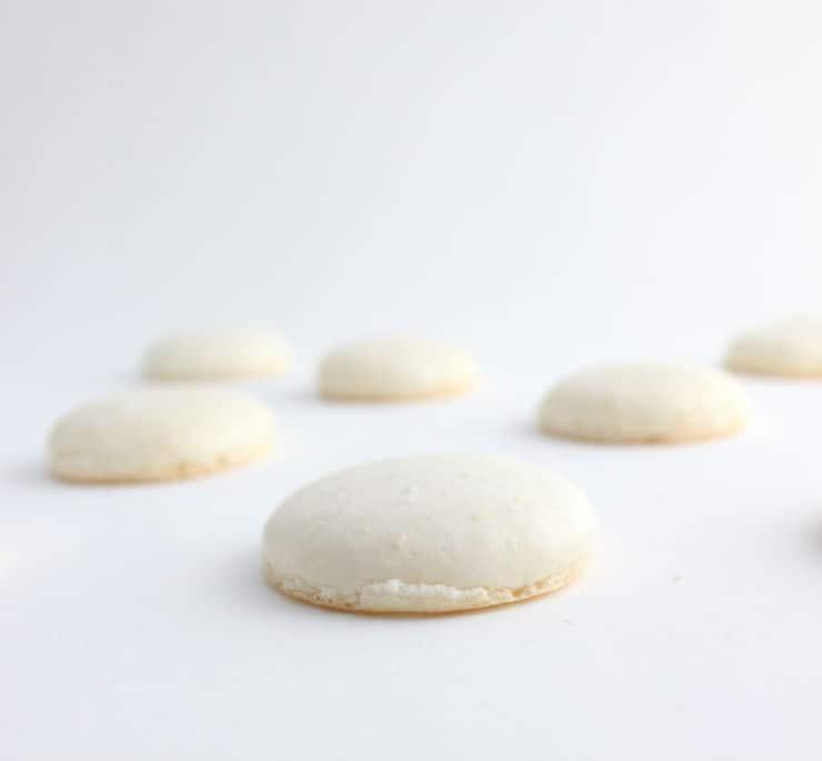 Lemon macaron shells