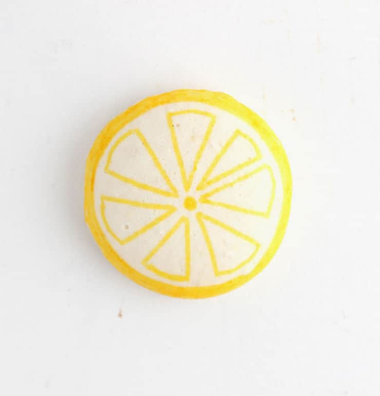 DIY lemon macarons